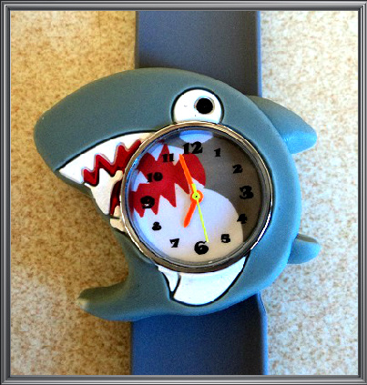 22cm Shark Slap Watches W7 Image