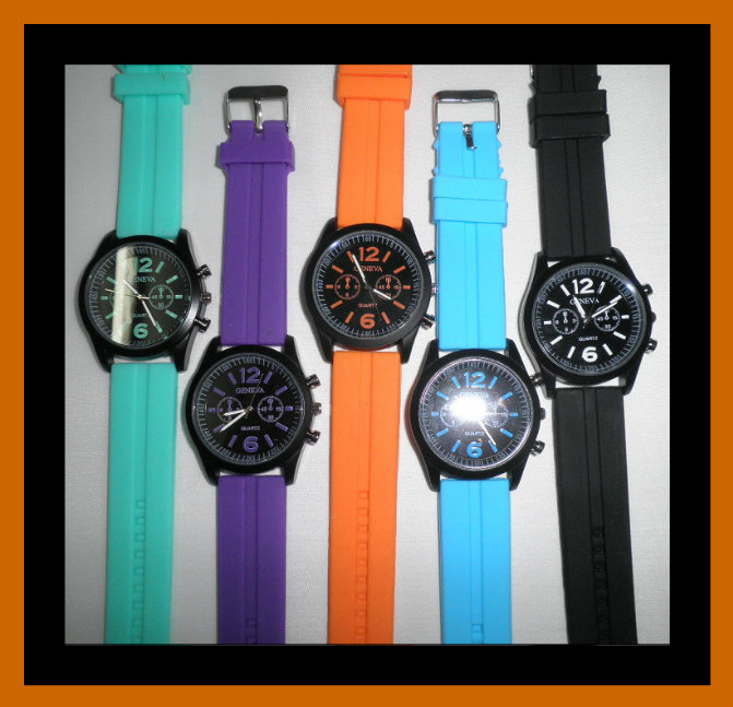 Sports Watch with Contrasting Band- F18 Image